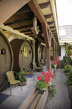 wine-barrel-hotel3